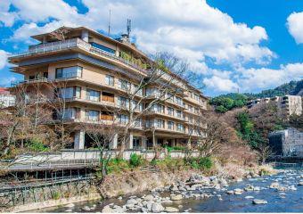 ホテル河鹿荘
