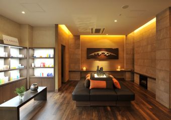 Heavenly View Earth SPA by CLARINS